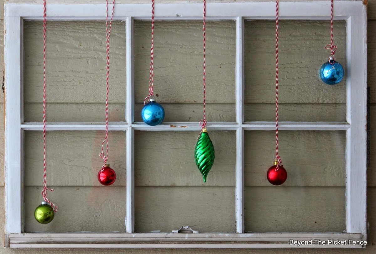 12 Days of Christmas Front Porch http://bec4-beyondthepicketfence.blogspot.com/2014/12/welcome-home-tour-12-days-of-christmas.html