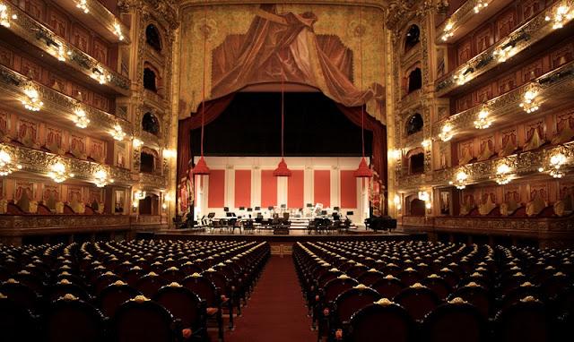 Teatro Colón em Buenos Aires no mês de agosto