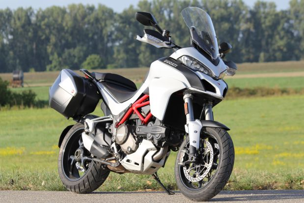 Duel BMW S1000XR VS Ducati Multistrada 1200S