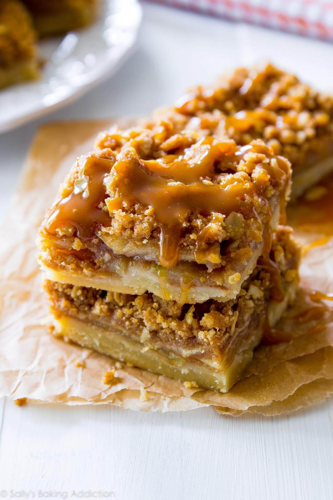 Salted Caramel Apple Pie Bars #dessert #cake