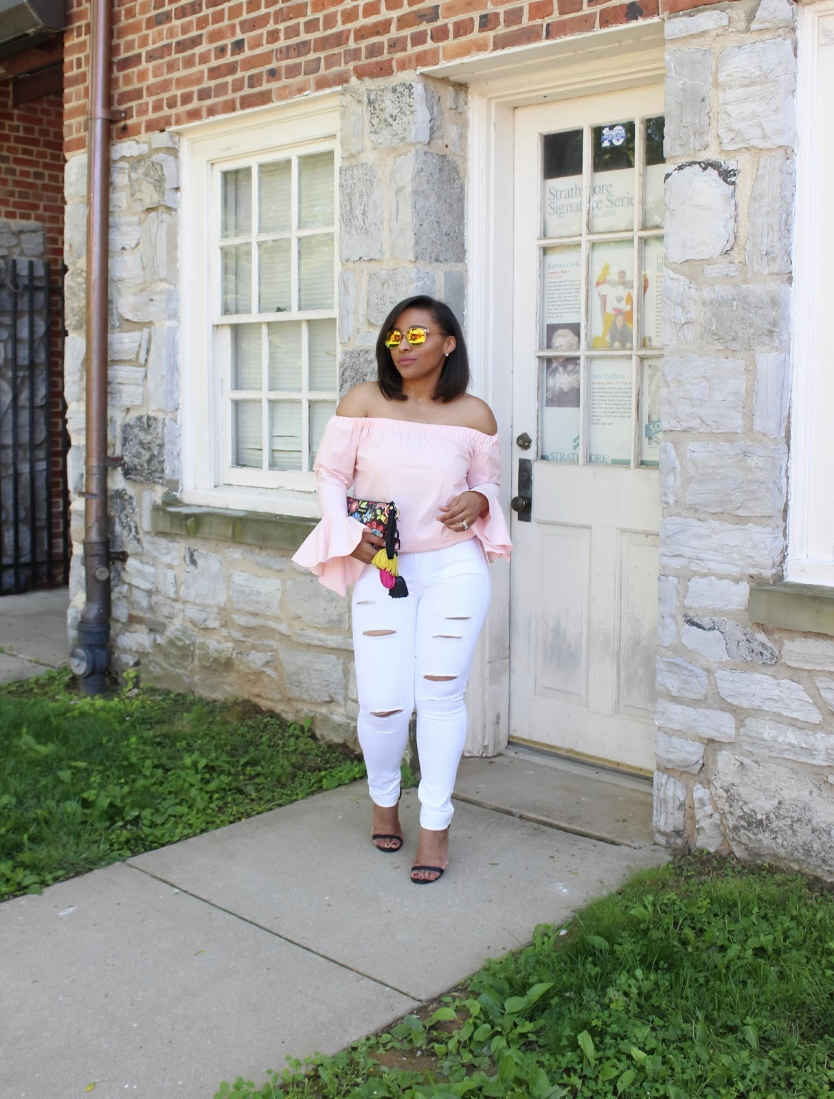 reusing wardrobe pieces, budget blogger, summer looks, off the shoulder trend, bell sleeves, white denim, desigual, summer trends, summer looks