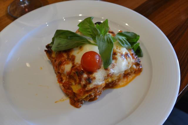 Restaurant Tricolori Vienna lasagna
