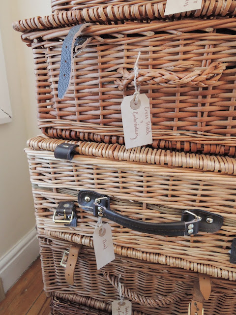picnic basket storage