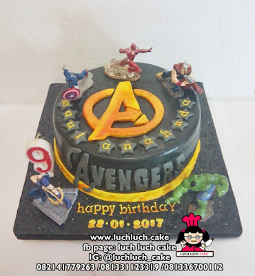 Kue Tart Fondant Avengers