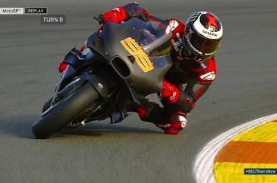 5 Lap Bersama Ducati, Lorenzo Cetak Waktu 1.37.263s