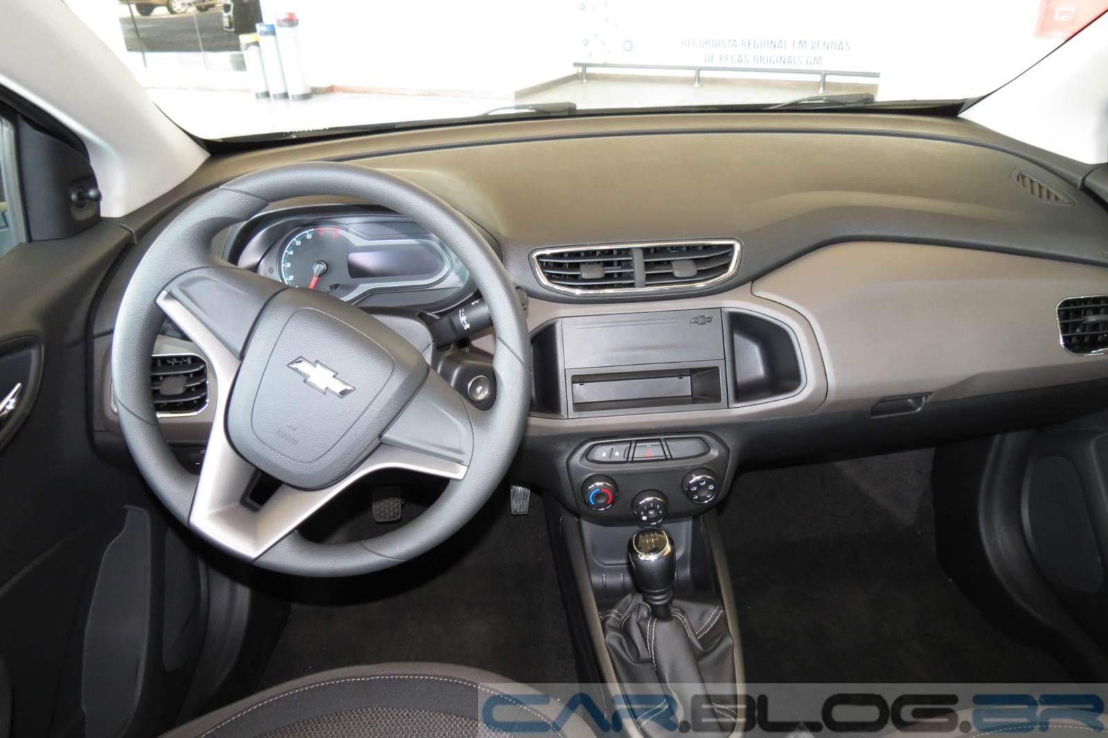 Chevrolet Onix LT 1.0 - interior