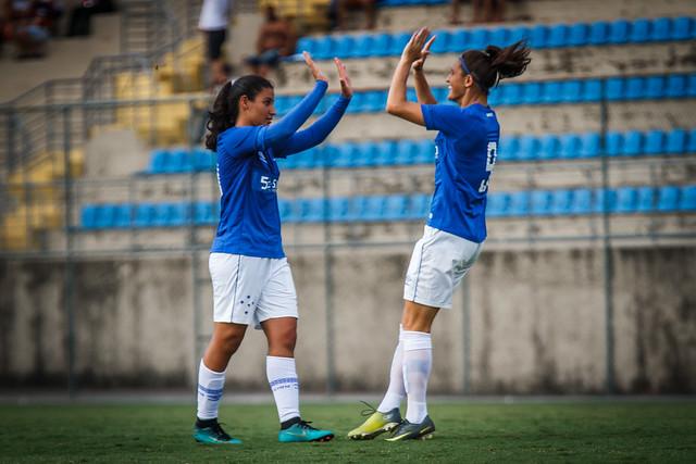 Cruzeiro goleia o Aliança