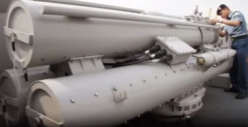 Gambar tabung peluncur rudal torpedo KRI Usman Harun