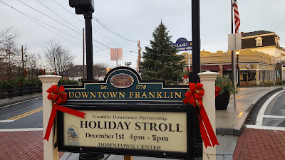 Holiday Stroll, Dec 1 - 4:00 to 7:00 PM