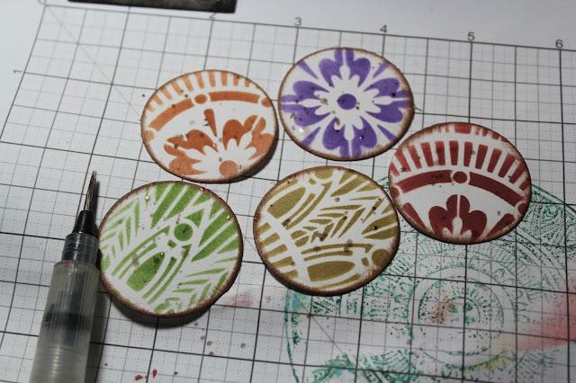 SC714 SplitcoastStampers challenge Tapestry Medallions Card #clubscrap #splitcoaststampers #circles #stencils #mask  #distressinks