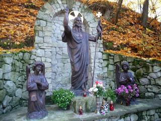 Страдч. Пещерный монастырь XI-XIII веков