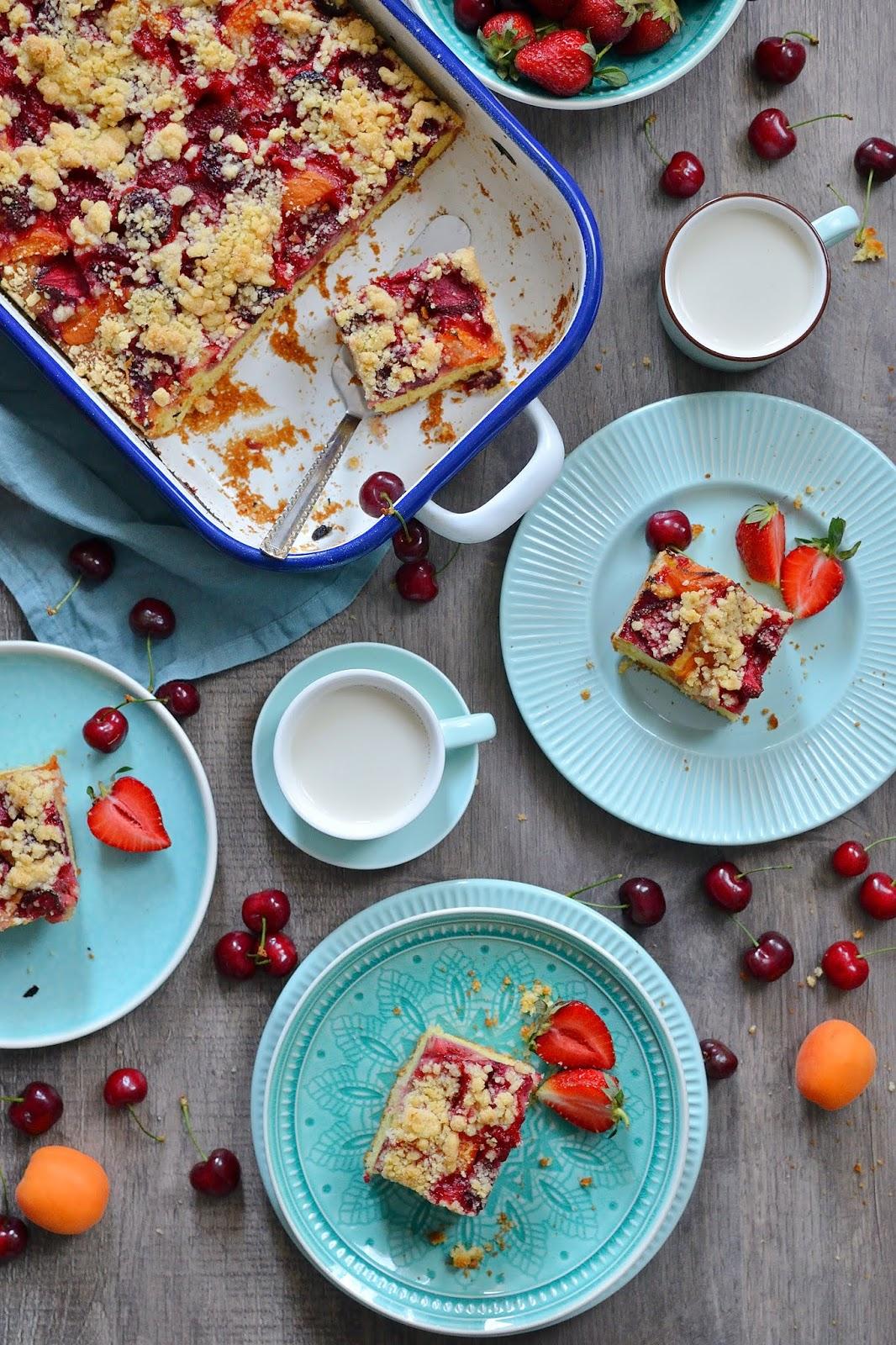 Ciasto drożdżowe z dużą ilością owoców i kruszonki!