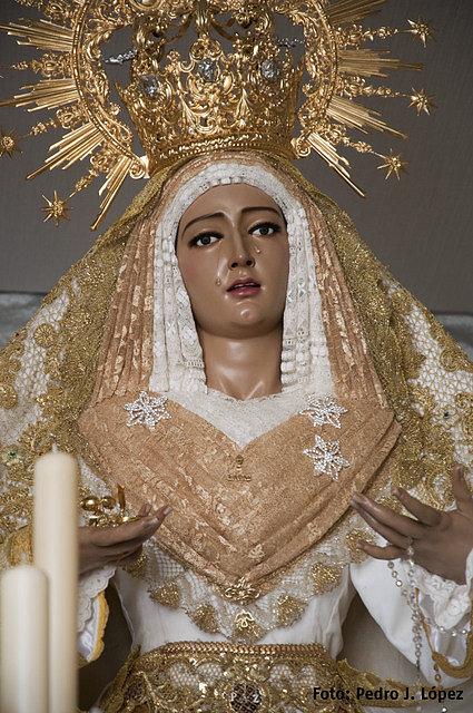 cena Virgen besando cerca de Alcobendas