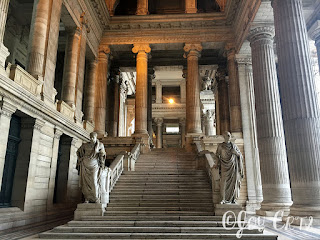 cour intérieur du palais de justice de Bruxelles