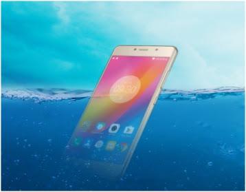 ponsel kemasukan air jatuh di dalam bak air