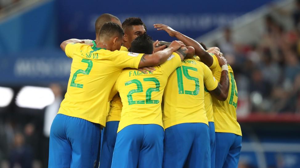 Futebol no Domingo.com  Seleção Brasileira vence a Sérvia por 2 a 0 ... 751f9c1085278