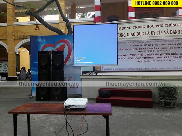 Thuê máy chiếu giá rẻ ở đâu tại TpHCM bao lắp đặt tận nơi