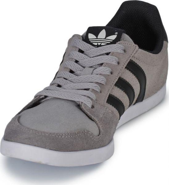 1ffe2486f تسوق اونلاين احدث تشكيله احذيه اديداس Adidas تصلك اينما كنت - Araby ...