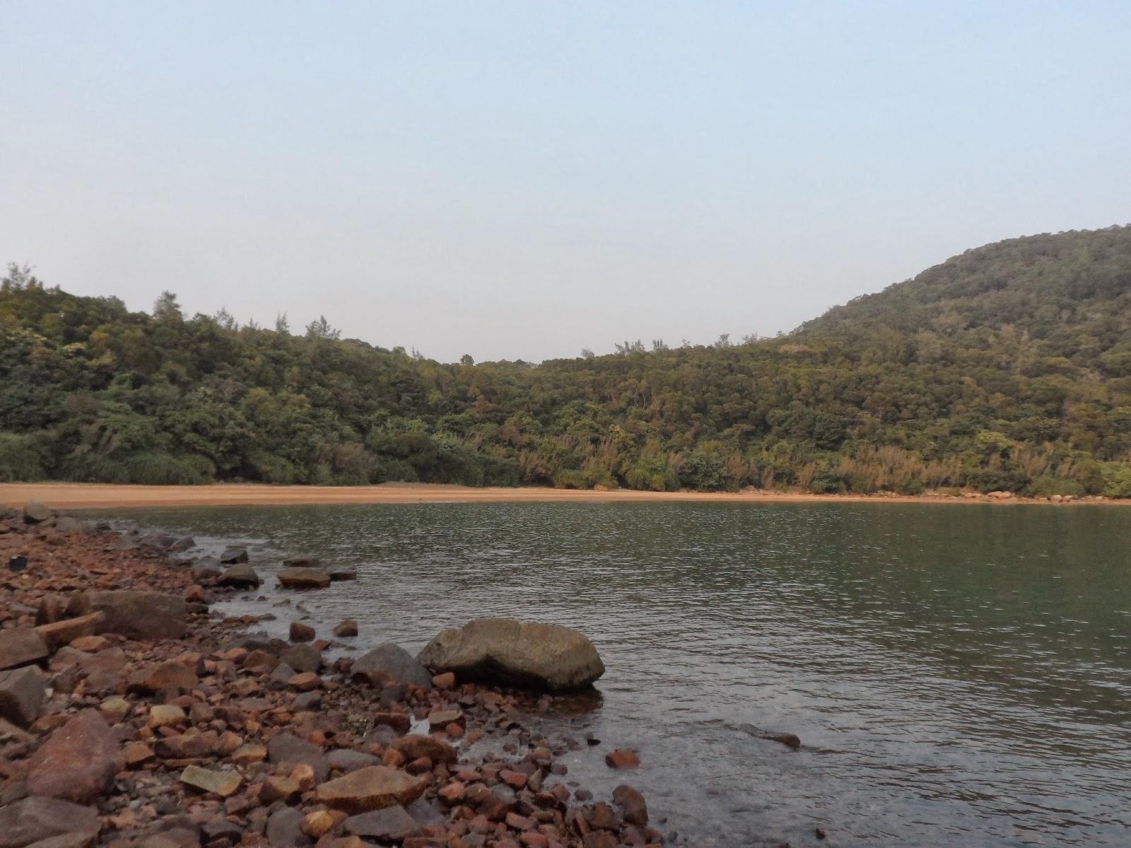 小魚網誌.分享點滴: 灣仔南營露營...釣魚7-12-2013