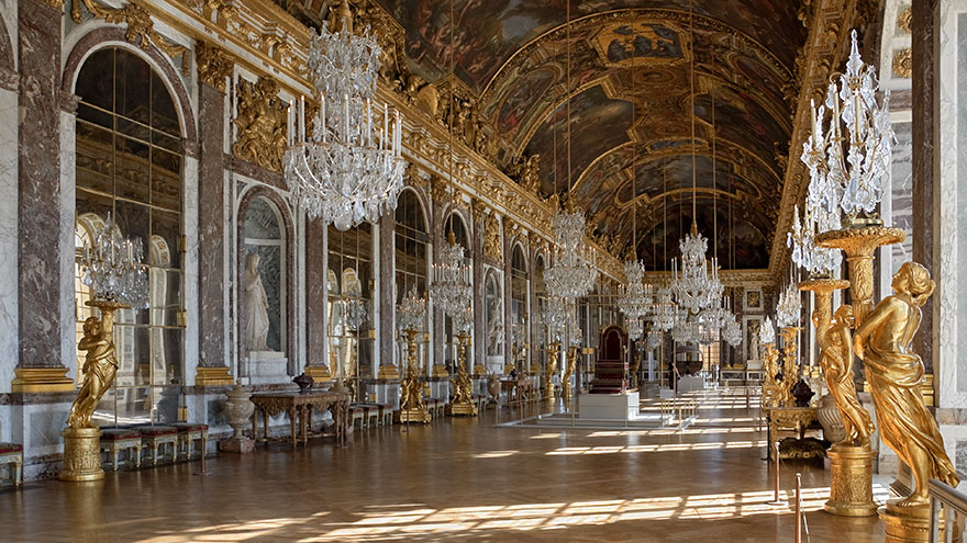 Travel Expectations Vs Reality (20+ Pics) - Visiting Hall Of Mirrors In The Palace Of Versailles, France