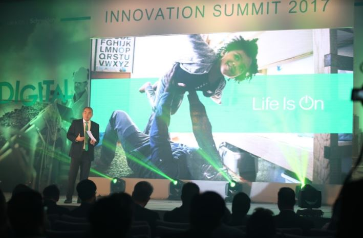 Schneider Electric powers the digital economy at the Innovation Summit Philippines