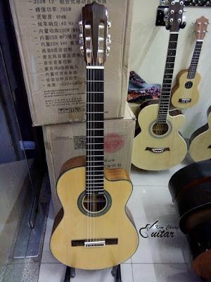 Bán Guitar Classic Aria giá 3 triệu