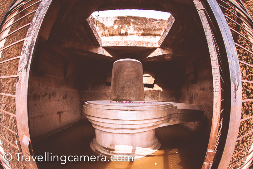 Badavalinga Temple (Shivalinga in Hampi) : This is located close to Narsimha Temple. This is largest Monolithic Shivalinga in Hampi which is 3 meter high, which is made up of black stone. This was also built during Viajayanagara Empire.   Timings of Shivalinga in Hampi : 5am to 9pm Entry Ticket Fees for Shivalinga in Hampi: Nil Camera Charges for Shivalinga in Hampi: Nil