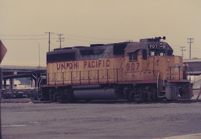 Union Pacific GP40-2 907