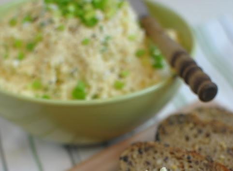 Śniadaniowo mi #9: Twarogowo-jajeczna pasta do kanapek