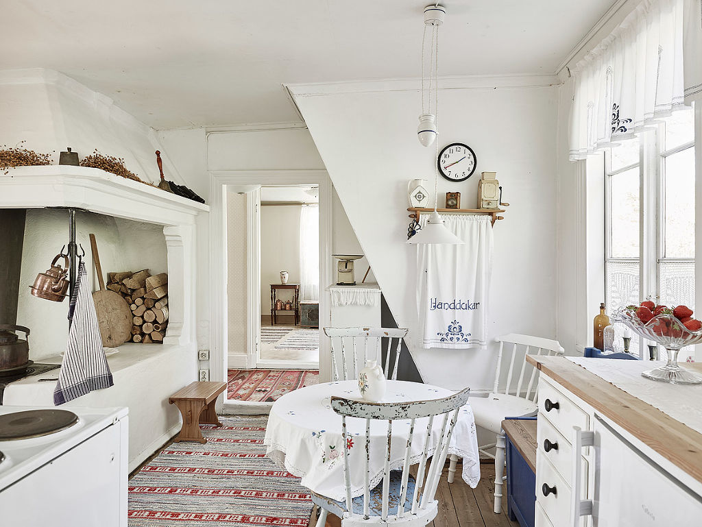 Zweedse Huisjes A Joyful Cottage Living Large In Small Spaces Sea