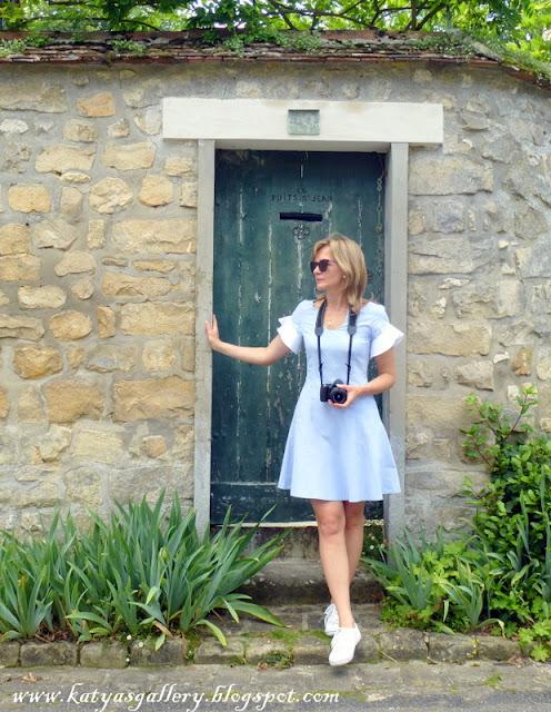# ruffles chambray dress