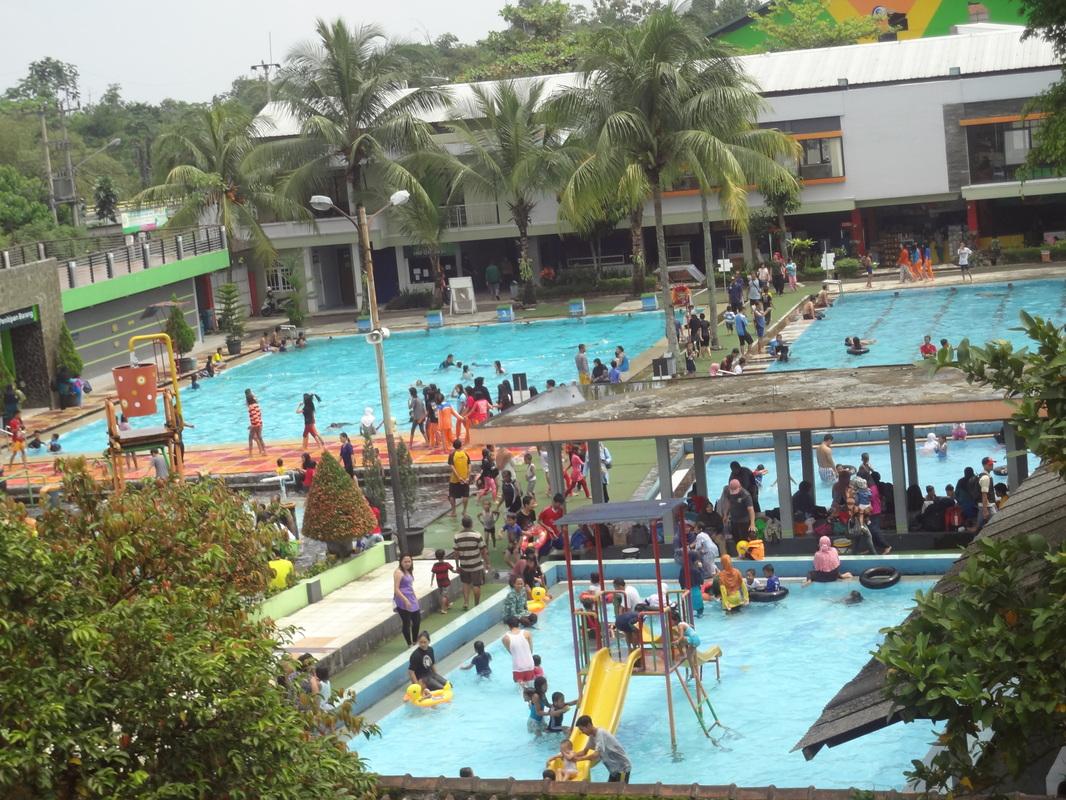 7 kolam renang terkenal di bogor untuk wisata keluarga