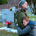 "Cristalzinho do cinema, Lucas Hedges se junta à Julia Roberts no teaser de ""Ben Is Back"""