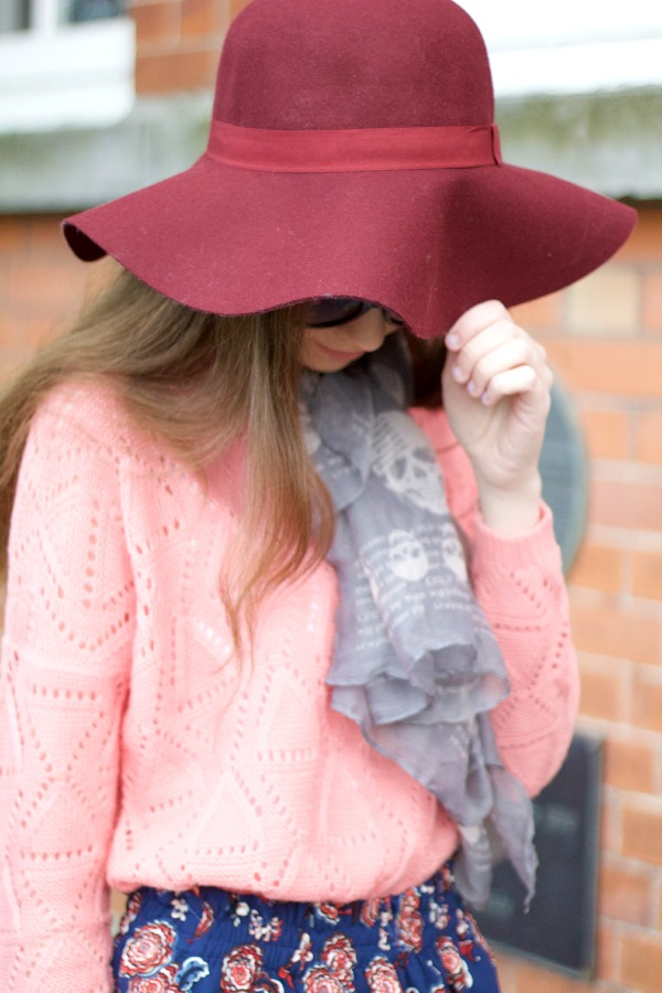 burgundy hat outfit