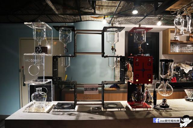 IMG 4544 - 熱血採訪│凱度高空咖啡館,隱藏在高樓大廈裡的夜景咖啡,百元有找,談生意、約會好地方