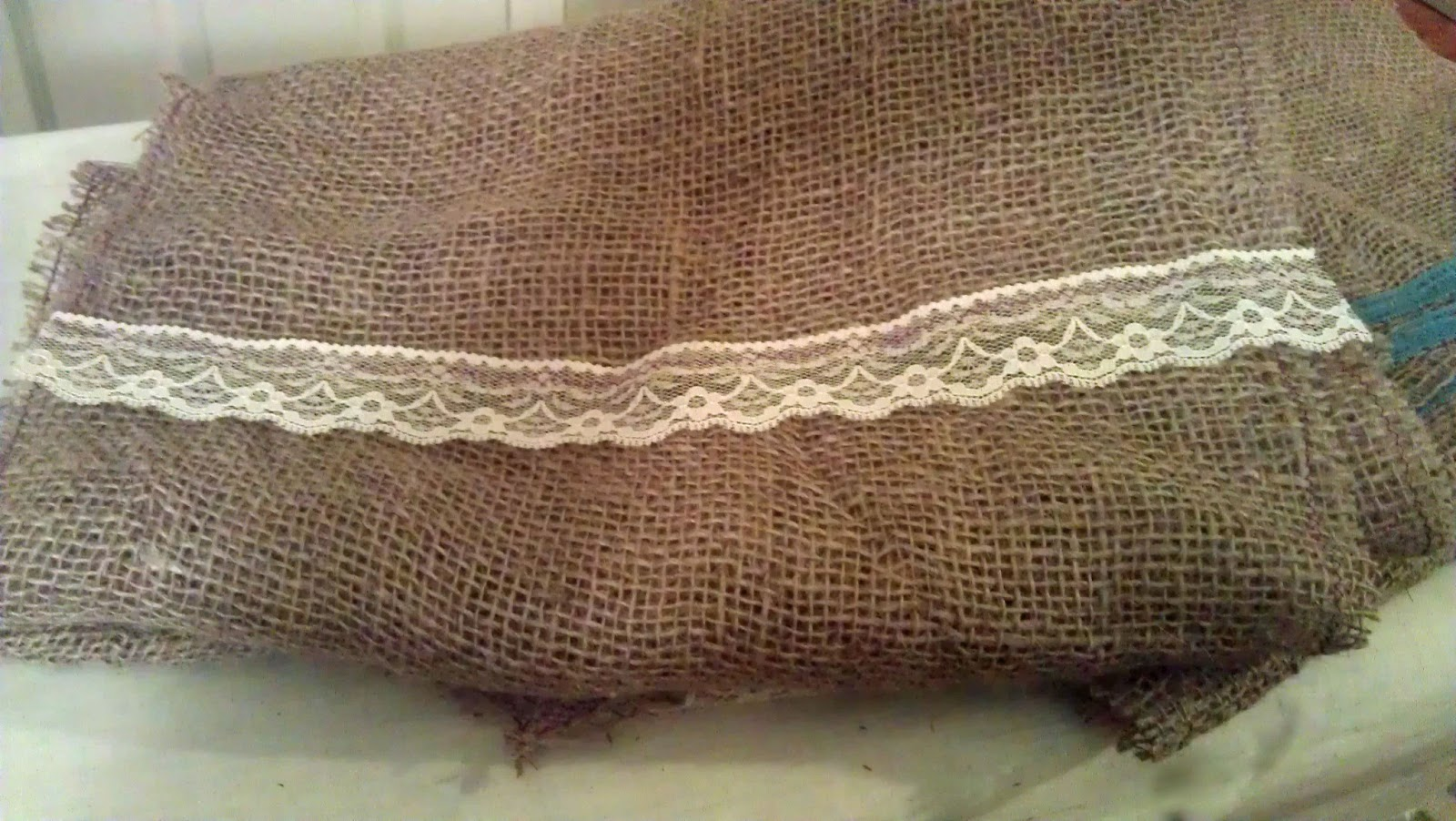 Burlap Table Runners | Vintage Roundabout