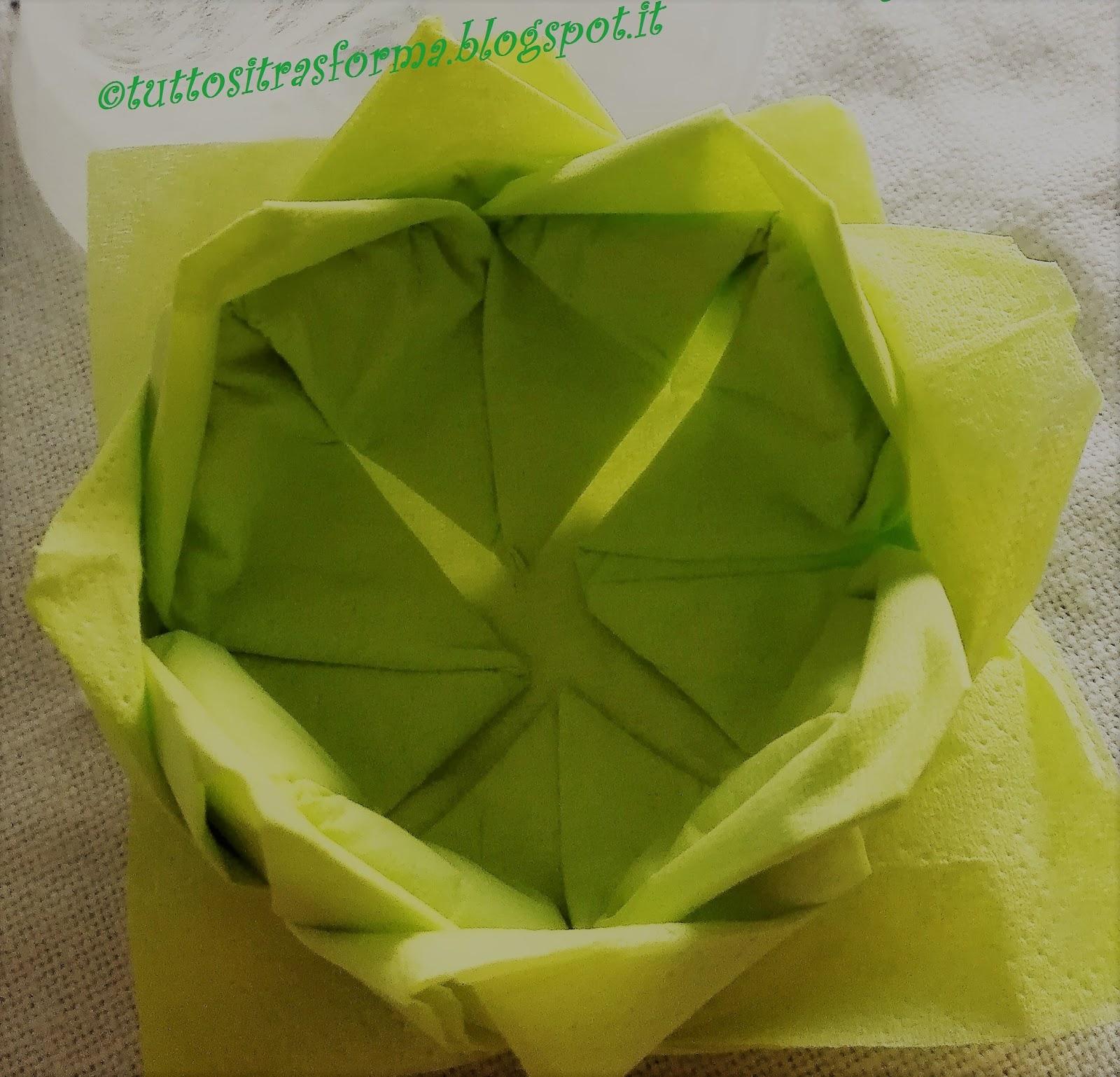 Piegare Tovaglioli Di Carta tuttositrasforma: fiore con tovagliolo di carta (come