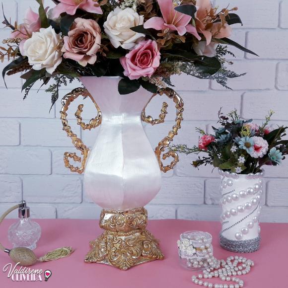 decoração de vaso feito com caixa de leite