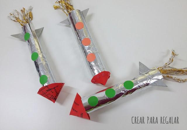 manualidades niños cohete reciclado