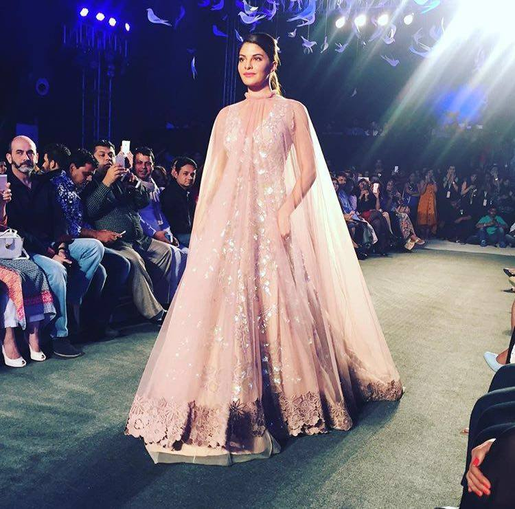 Contemporary Gowns By Manish Malhotra Embellishment - Top Wedding ...