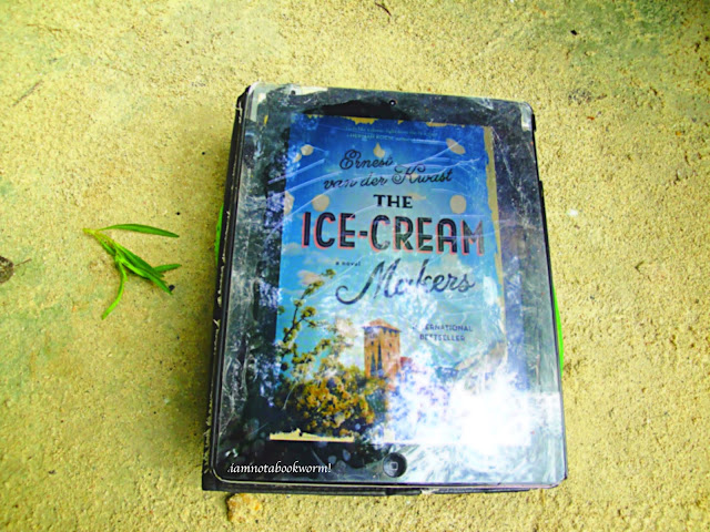The Ice-Cream Makers by Ernest van der Kwast | A Book Review by iamnotabookworm!