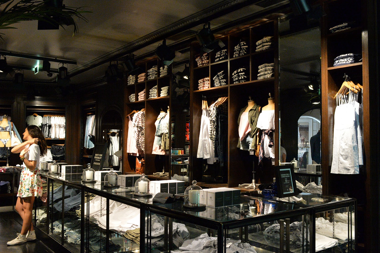 abercrombie and fitch store madrid shopping guide