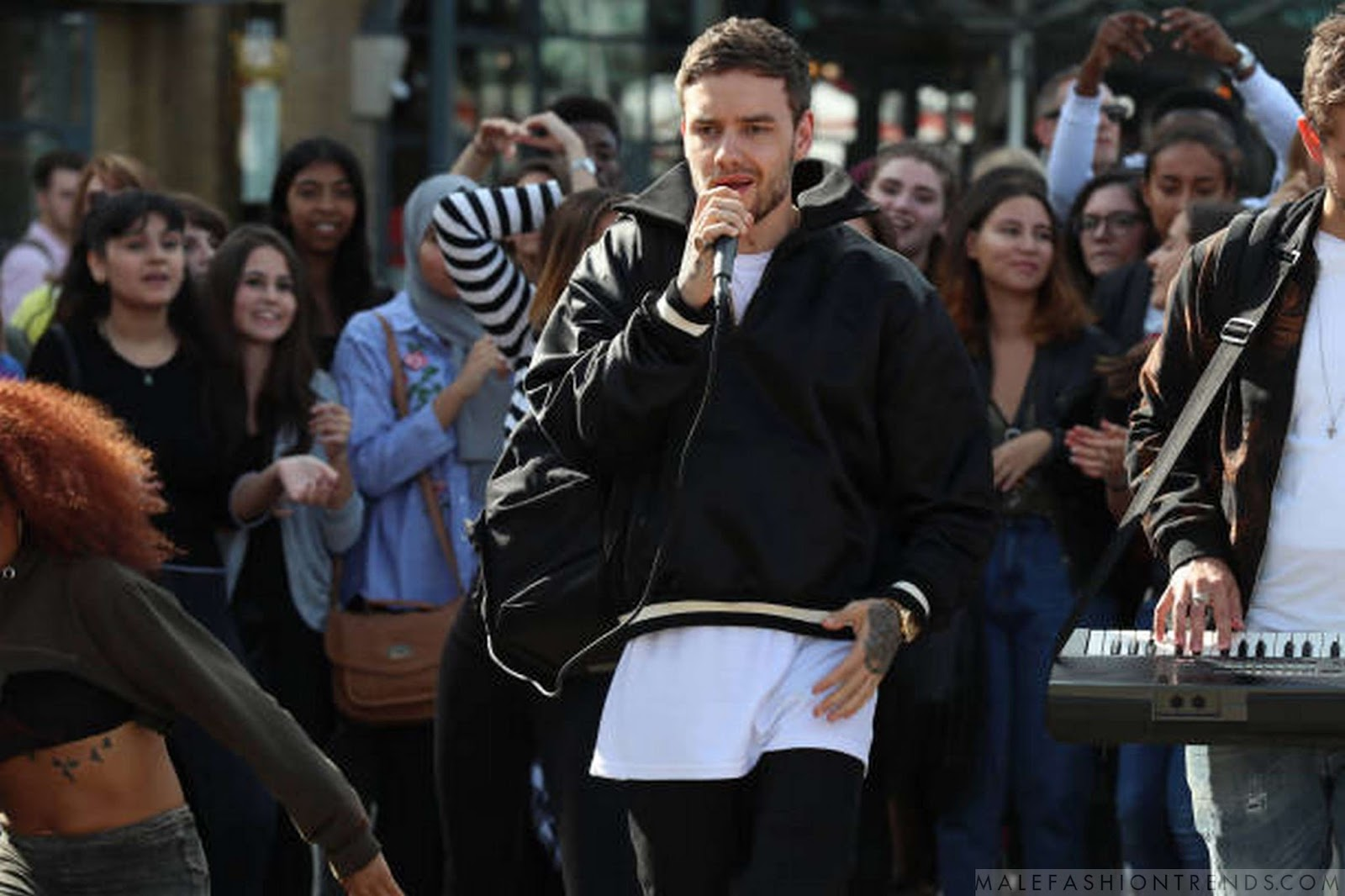 Liam Payne y su Satin Half-Zip Coaches Jacket de Fear of God