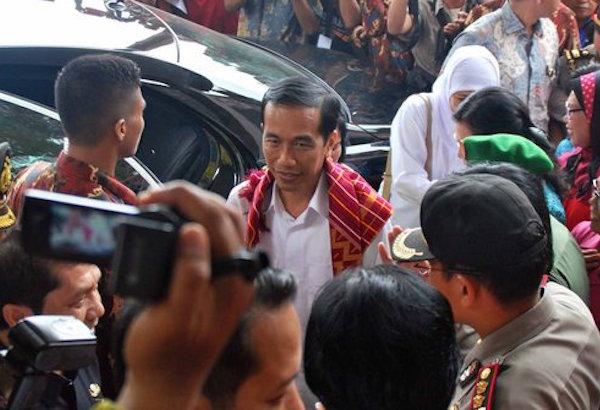 Presiden Jokowi kunjungi pengungsi Sinabung