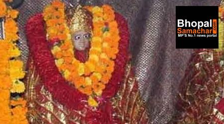 तरकुला देवी मंदिर: यहां अंग्रेजों की बलि दी जाती थी