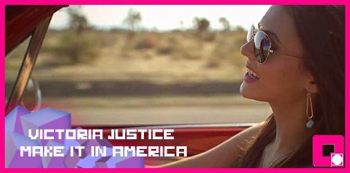Victoria Justice e Rebecca Black só querem saber dos seus amigos e de sparklers em seus novos clipes