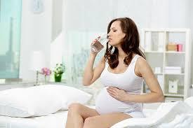 manfaat air putih untuk ibu hamil