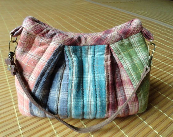Basic Quilting and Patchwork Bag. Photo Sewing Tutorial