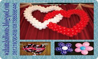 aneka bentuk dekorasi balon love dan bunga tempel