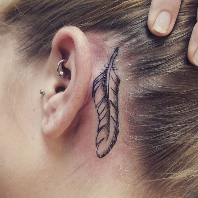 best-tattoo-behind-ear-5